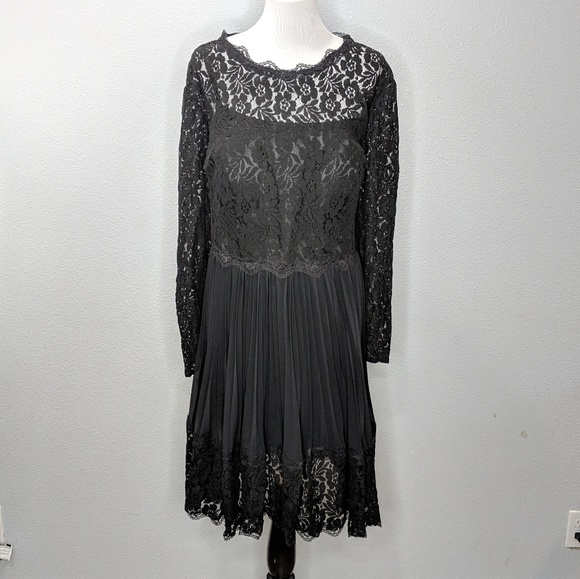 Light in the Box Dresses & Skirts - Light in the Box lace accordion pleated dress NWT
